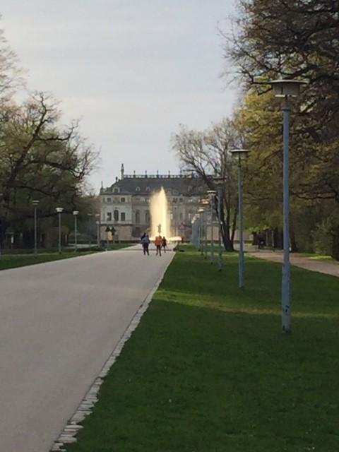 Das Jugend-Öko-Haus befindet sich direkt im Großen Garten.