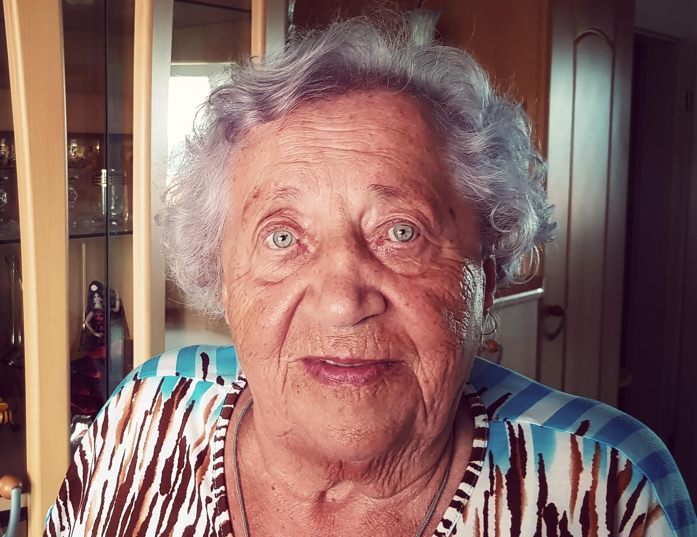 Zufrieden mit 96 Jahren: Frau Löber und das Geheimnis ihres Alters