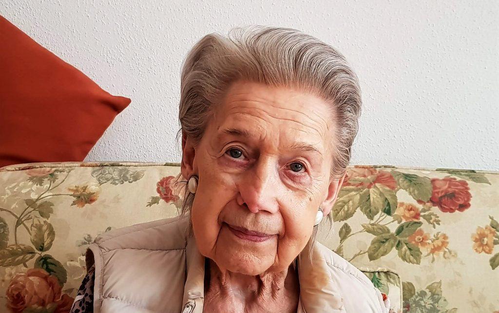 Frau Hartwig ist dement, aber zufrieden. (Foto: Sven Wernicke)